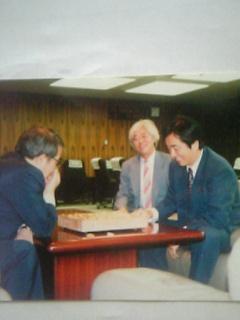 菅直人さんが厚生大臣室で将棋