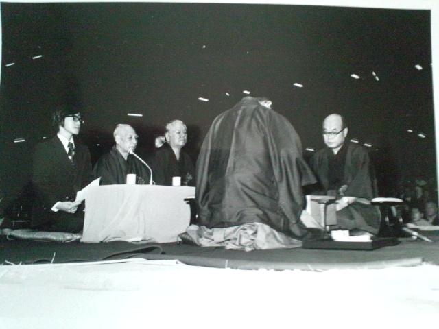 第1回「将棋の日」イベントでタイトル戦の十段戦が土俵上で対局