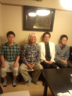 「田丸一門会」を開いて引退した弟子の櫛田陽一六段の再出発を激励