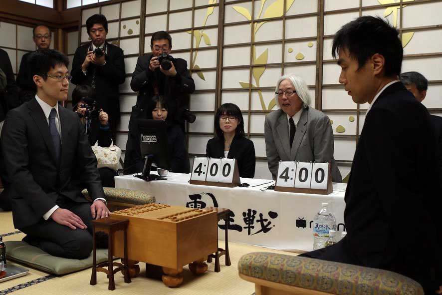 第2回電王戦はプロ棋士がコンピューター将棋に1勝3敗1分で負け越し