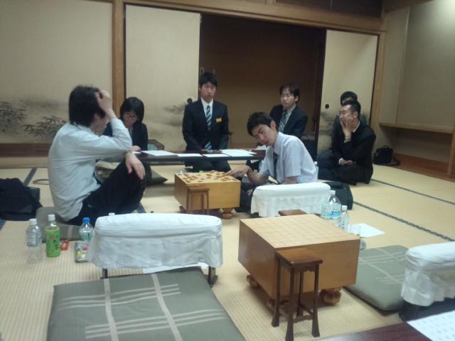 棋士が将棋会館で務める「対局立合人」という仕事の内容