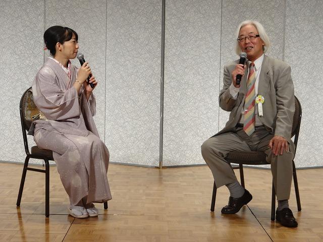 女流棋士パーティーのリレートークで田丸が40<br />  年前の経緯を語る