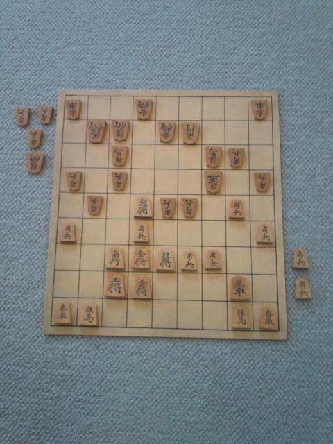 プロ棋士の投了に関するエピソードと、44年前の「東西決戦」の投了局面
