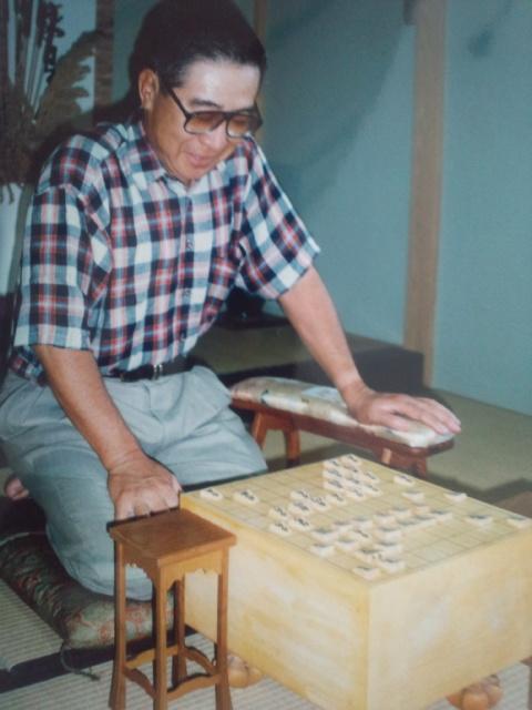 将棋を愛好したタレントの大橋巨泉さんが82<br />  歳で死去